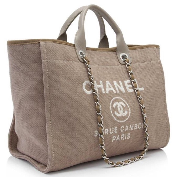 49f2759584b9 CHANEL Handbags - Authentic -Chanel - Large Deauville tote bag